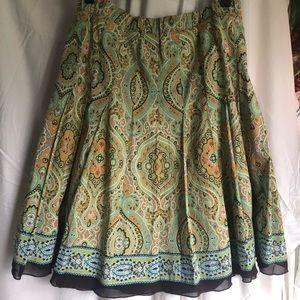 Kick pleat paisley print A line skirt